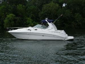 Charter and Rent: 42 ft SeaRay 380 Sundancer - Bareboat Motor Yacht